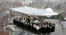 Dinner in the Sky arriva a Roma: 16 chef cucineranno tra le nuvole