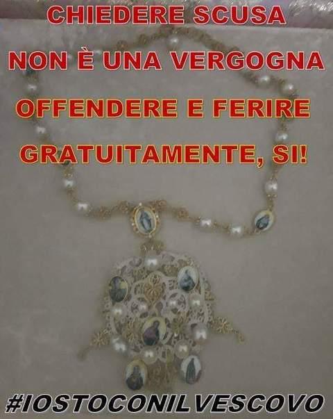 nuovo prodotto 4956d e63de Dolce e Gabbana, la collana donata alla Madonna a Palma di ...