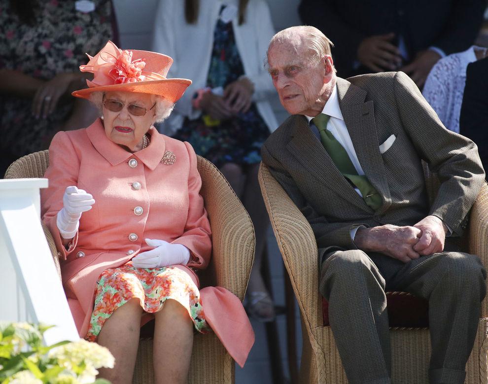 Il principe Filippo è morto», la bufala in rete: «La regina Elisabetta è  venuta a saperlo, ecco come ha reagito»