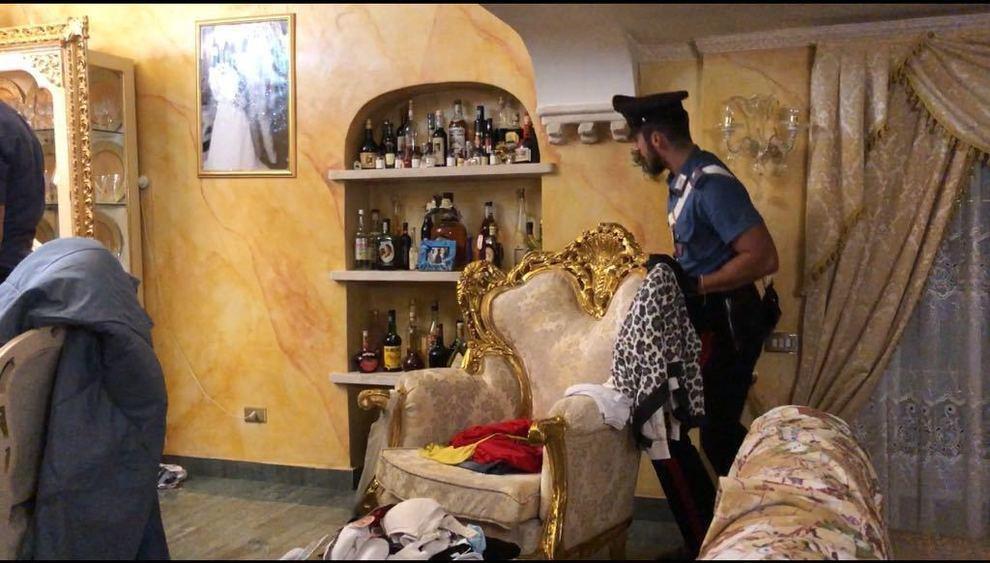 Arresti casamonica sigilli a vari locali in centro a roma for Locali commerciali roma centro