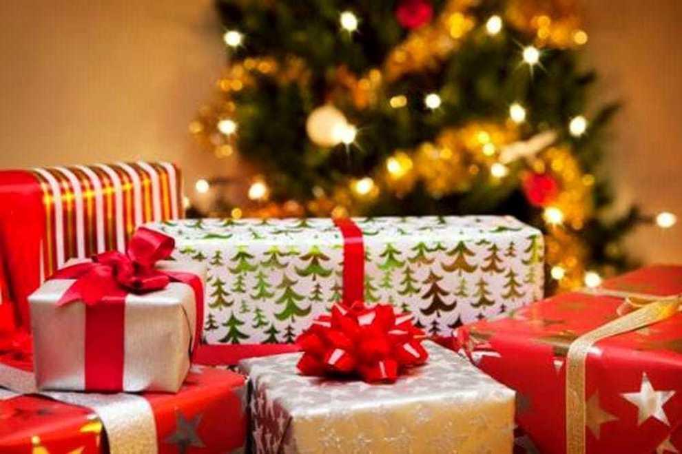 I Regali Di Natale Quando Si Aprono.Regali Di Natale Nella Lista Dei Desideri Lo Smartphone Batte La Griffe