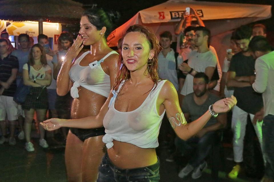 https://www.leggo.it/photos/HIGH/23/75/1872375_20160722_missmaglietta04.jpg
