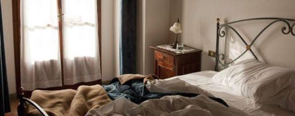 Rifare il letto fa male alla salute lo studio ecco perch meglio lasciarlo disfatto - Acari nel letto ...