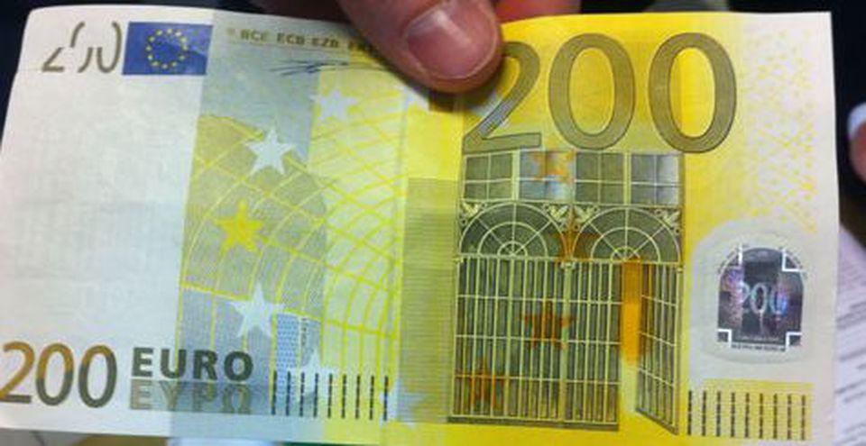 Napoli. Truffa a via Toledo  paga i pasticcini con 200 € 0912d6777d6