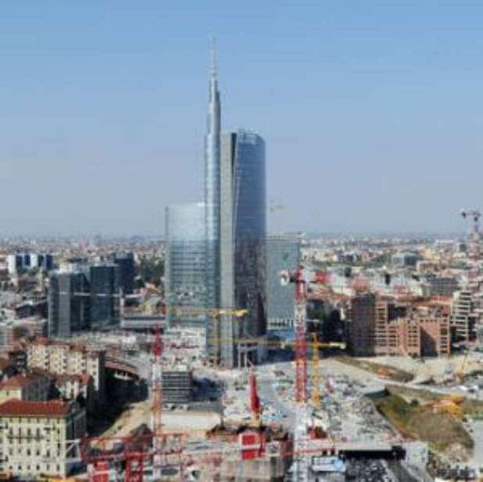 A milano il grattacielo pi alto d 39 italia foto casa for Alto pericolo il tuo account e stato attaccato