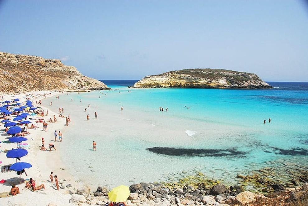 Matrimonio In Spiaggia Lampedusa : Ecco le spiagge più belle d europa e del mondo in italia vince