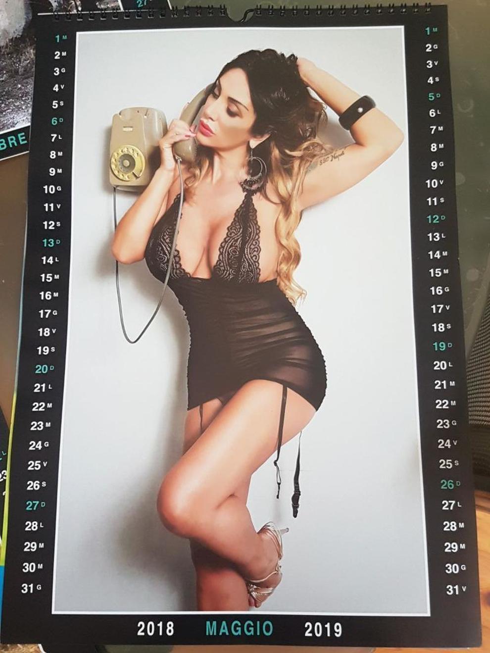 Calendario Donne Hot.Marika Fruscio Ecco Il Calendario Hot Nel Giorno Del Big