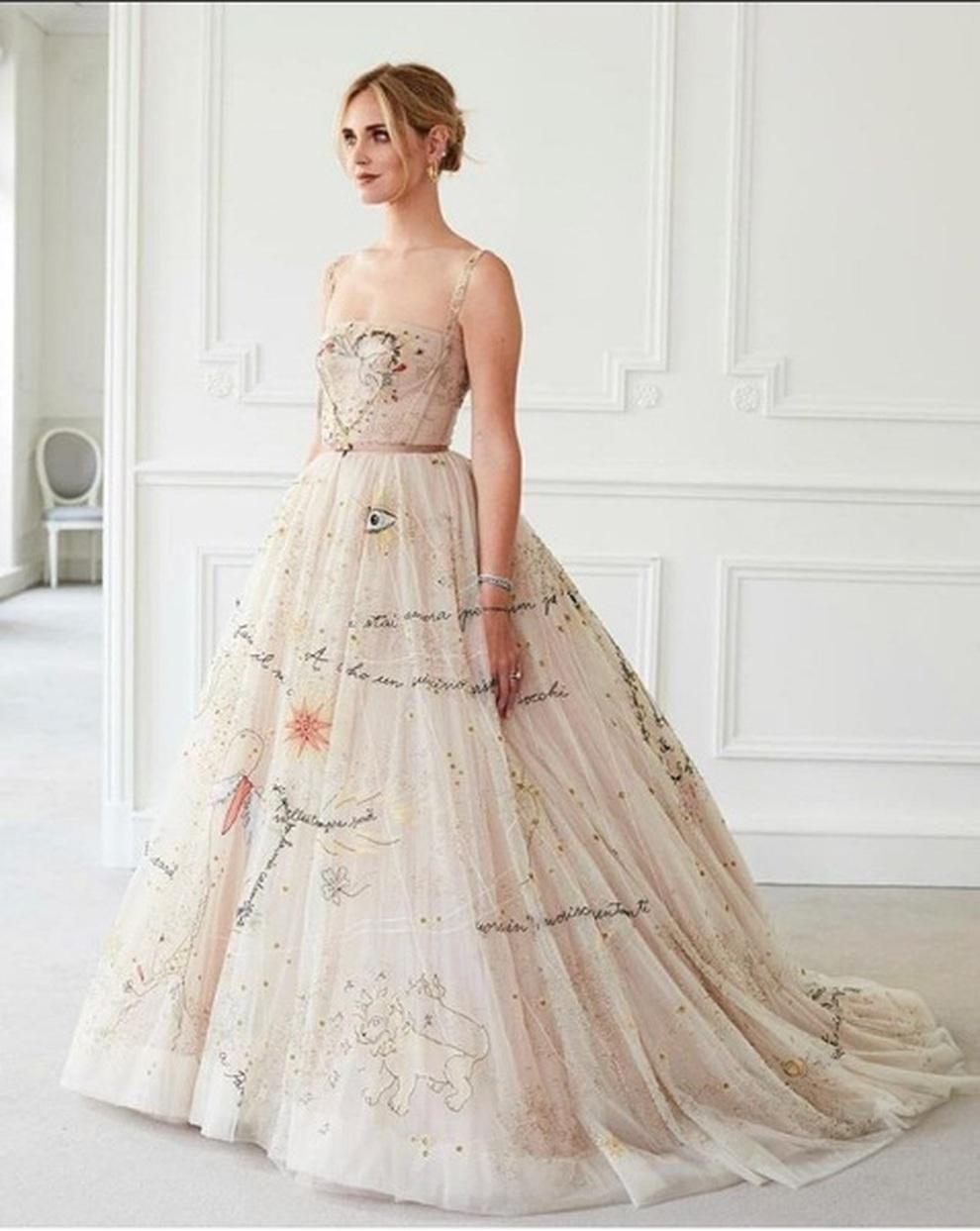 9c6b4e6cbe82 Matrimonio Ferragnez  Il secondo vestito della Ferragni