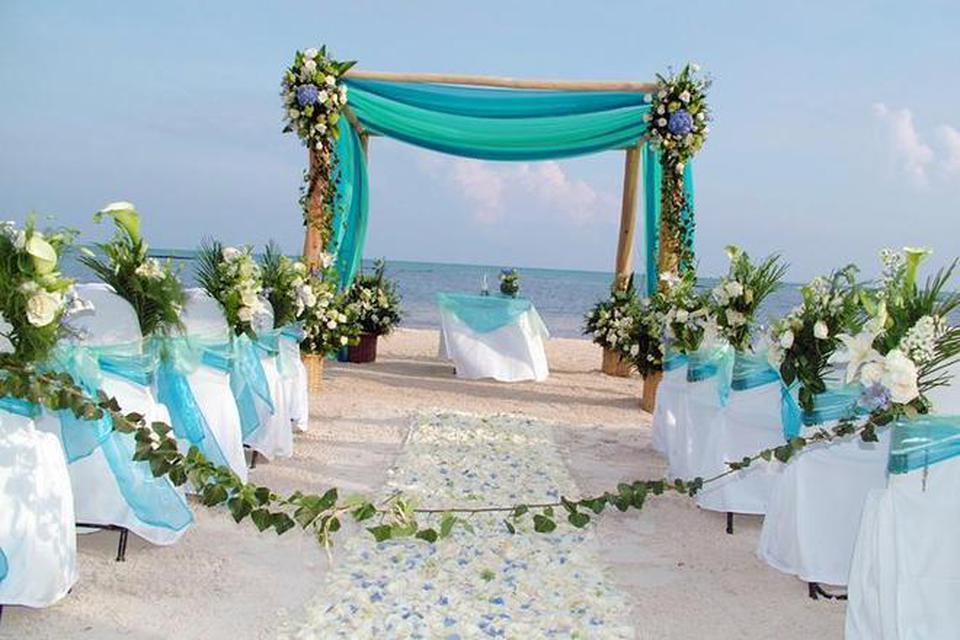 Matrimonio Spiaggia Taranto : Fiumicino oggi il primo matrimonio in spiaggia la location in un