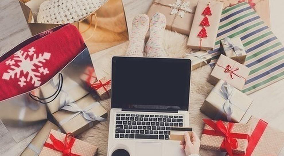 Offerte Di Natale Regali.Amazon Le Idee Regalo E Le Migliori Offerte Per Lei Nel Negozio Di Natale