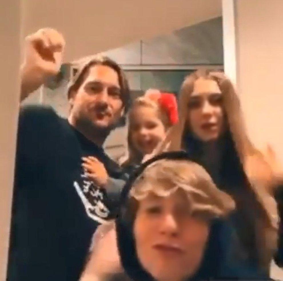 Francesco Totti su TikTok, balletto con i figli sulle note di Vasco