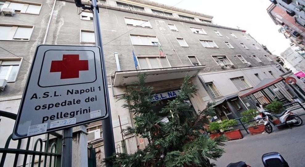 Vasca Da Bagno Napoli : Giallo a napoli enne trovato morto nella vasca da bagno