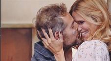 Daniele Bossari, proposta di matrimonio a Filippa Lagerback, ma qualcosa accade alle loro spalle...