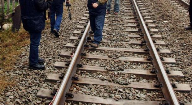 Milano, studente travolto da un treno alla stazione di Costa Masnaga: interrotta linea Lecco-Molteno-Monza-Milano - Leggo.it