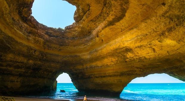 Grotte spettacolari d europa un tuffo nei luoghi del for Abbellimento del lotto d angolo