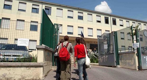 Scabbia in una scuola diversi casi gli studenti non for Scuola di moda brescia