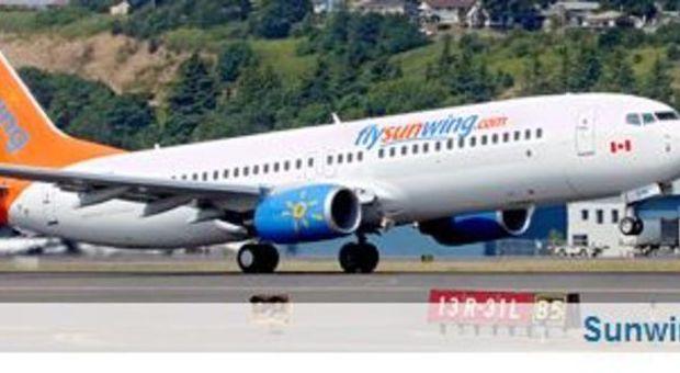 Aereo Di Linea Scortato Da Caccia : Ubriache e moleste bevono fumano in aereo il volo