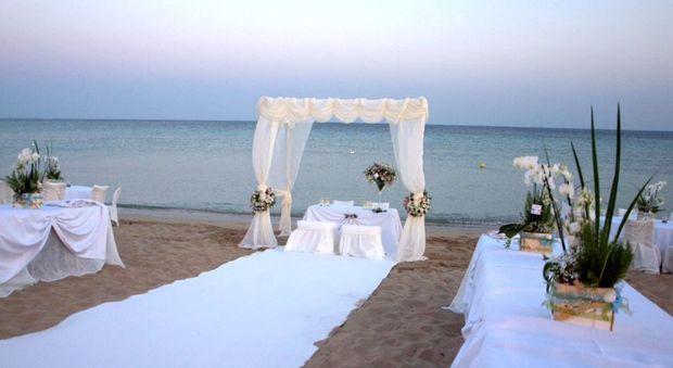 Matrimoni Spiaggia Ostia : I cinque stelle puntano ai matrimoni in spiaggia a ostia