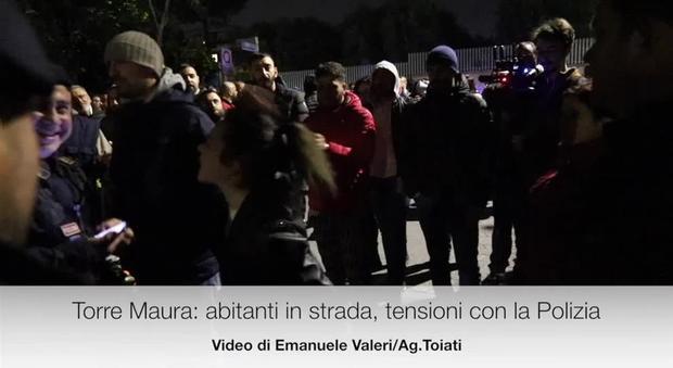 Tensioni a Torre Maura per l arrivo dei rom  abitanti in strada 67a6db968be