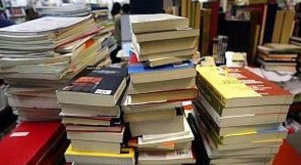 Libri di testo usati non solo mercatini il risparmio for Libri scontati online