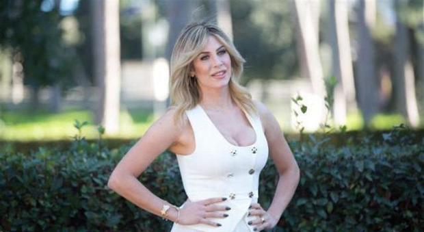Paola Caruso, chi è il calciatore che ha negato la paternità? La ...