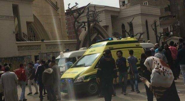 Egitto, attacco choc al bus di copti: almeno 23 morti -Foto