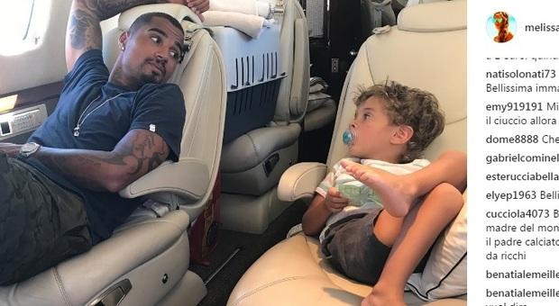 Aereo Privato Roma Ibiza : Melissa satta la foto di maddox con il papà sul jet