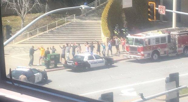 San bruno donna spara davanti al quartier generale di youtube molti feriti uccisa l - Sanitas oficinas centrales ...