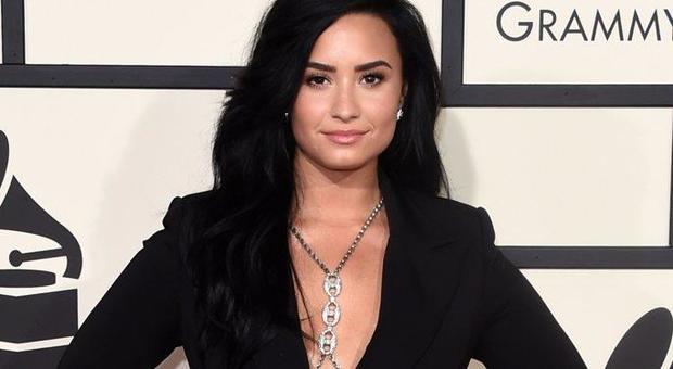 Demi Lovato dating lista di storia