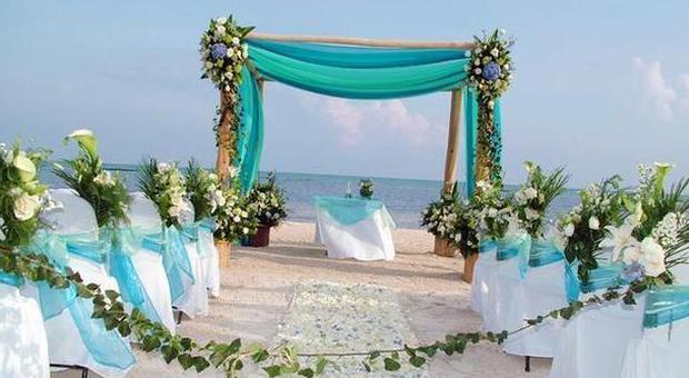 Matrimonio Spiaggia Fiumicino : Fiumicino oggi il primo matrimonio in spiaggia la