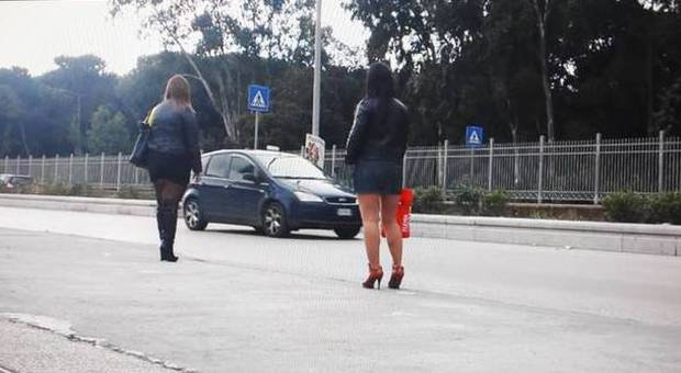 giochi sessuali con cibo prostitute giorno roma