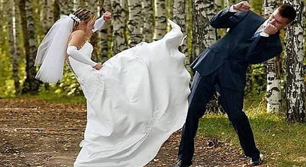 Matrimonio In Rissa Piacenza : Moglie e marito ubriachi rissa a calci pugni dopo il