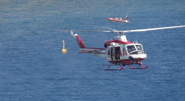 Elicottero Notte : Notte di paura in mare dispersi due pescatori li cerca l