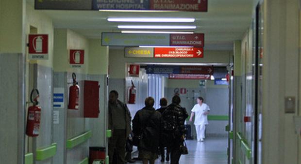 Meningite 15enne ricoverata allarme in una scuola di for Scuola di moda roma