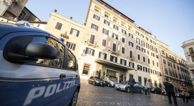 Turista tedesco trovato morto in una stanza dell 39 hotel - Letto in tedesco ...