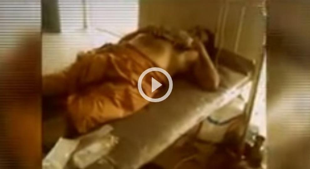 «Voglio essere un Nullo» Si taglia pene e testicoli da solo, poi corre in ospedale