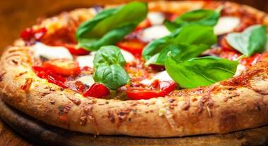 "Al ""Napoli Pizza Village"" arriva Just Eat: entri e ordini con un click"