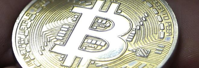 """Bitcoin, la Commissione Europea avverte: """"Investitori state attenti, rischiate di perdere tutto"""""""