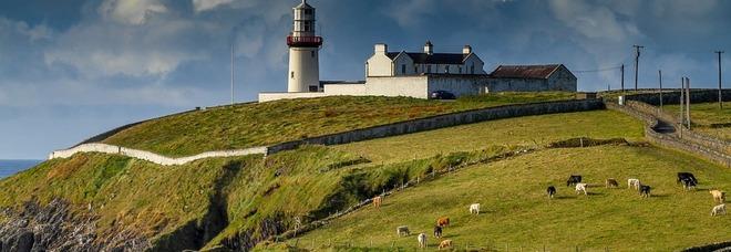 Viaggiare in Irlanda, porte aperte per i turisti dal 19 luglio