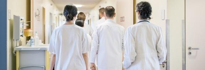 Sanit 7 milioni di italiani si sono indebitati per for Permesso di soggiorno per cure mediche
