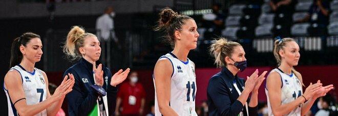 Pallavolo, Serbia-Italia 3-0. Anche l'Italvolley femminile saluta ai quarti Mazzanti: «Avevo detto alle ragazze di staccarsi dai social»