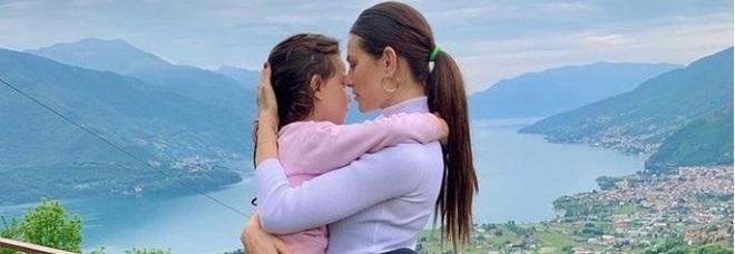 Grande Fratello Vip, Dayane Mello riabbraccia la figlia Sofia. La bimba commuove tutti: «Non lasciarmi mai più»