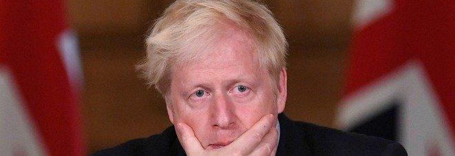 Covid, la variante indiana preoccupa l'Inghilterra. Boris Johnson: «Potrebbe fermare il nostro cammino sulla roadmap»