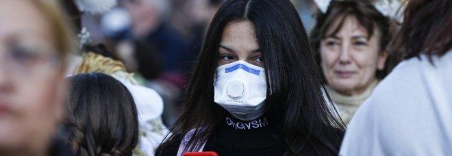 Coronavirus, Codacons denuncia: «Prezzi mascherine aumentati fino al 1.700%»