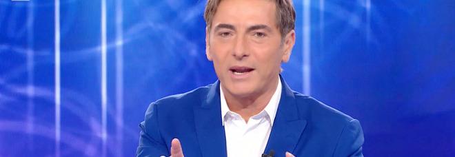 Reazione a Catena, il gesto choc dei concorrenti fa infuriare i fan: «Sono impazziti?». Marco Liorni senza parole
