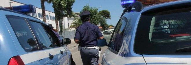 Si fingeva chirurgo estetico e operava nello scantinato: arrestata donna brasiliana