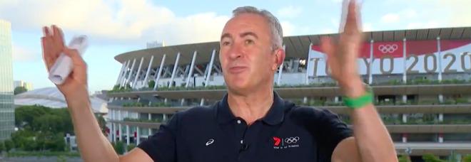 Tokyo 2020, terremoto durante le Olimpiadi: l'inviato continua la diretta tv Video