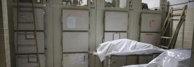 Creduta morta e portata in obitorio si sveglia nella cella frigo. Ma l'ipotermia la uccide