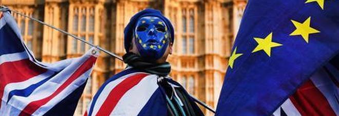 Gran Bretagna, per i turisti europei serviranno passaporto e visto elettronico