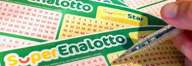 Superenalotto, un 5+ da 605mila euro: la giocata in un bar, ecco dove